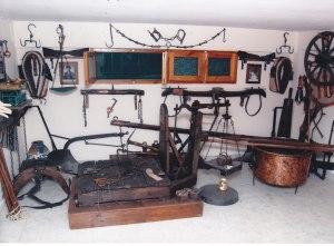 ΕΡΓΑΛΕΙΑ ΟΡΓΩΜΑΤΟΣ Από το οικογενειακό παραδοσιακό μουσείο του ΠΙΠΗ ΚΟΜΙΑΝΟΥ