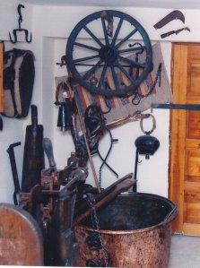 ΚΑΖΑΝΙ-ΤΡΟΚΑΝΙΑ-ΤΡΟΧΟΣ Από το οικογενειακό παραδοσιακό μουσείο του ΠΙΠΗ ΚΟΜΙΑΝΟΥ