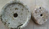 8902e-stonehandmill2