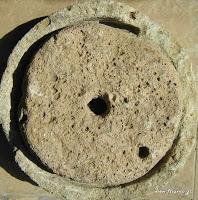dcbf5-stonehandmill