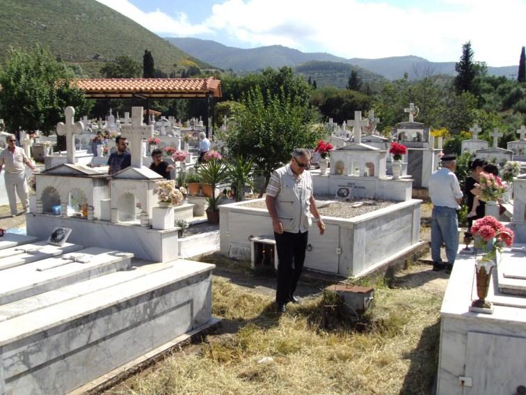 Αποτέλεσμα εικόνας για Νεκροταφεία Δ Ε Αετού